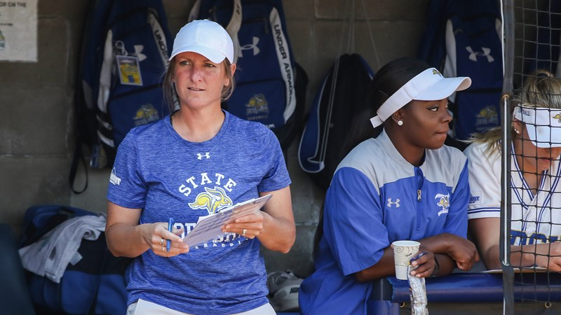 Softball adds six on National Signing Day